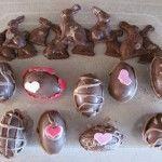 12 Huevos y conejos de chocolate