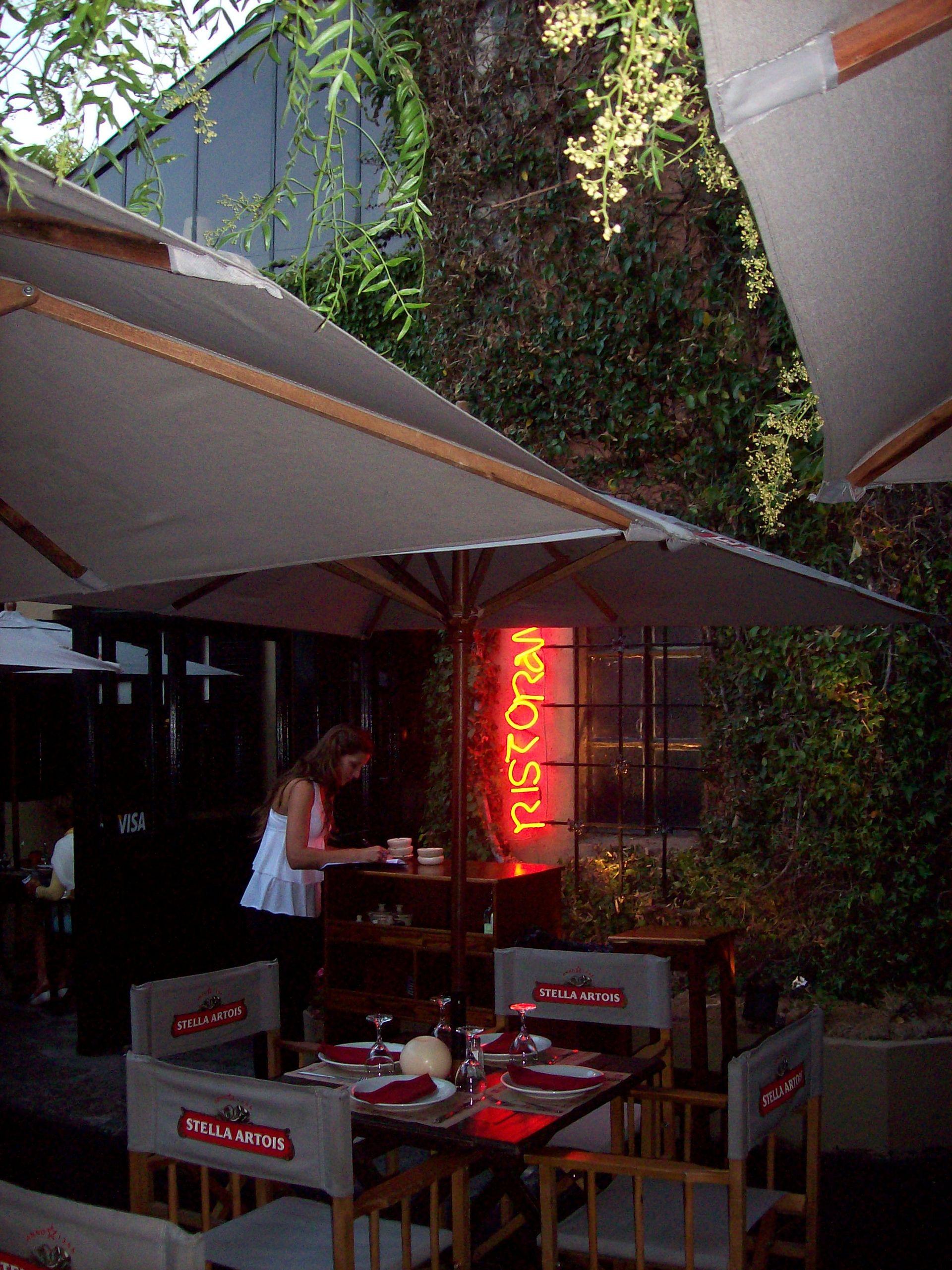 Foto del frente del restaurant Tiziano en Mar del Plata