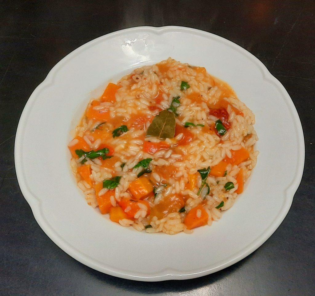 Plato paella vegetariana